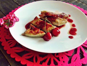 Secreto ibérico con salsa de cerezas.